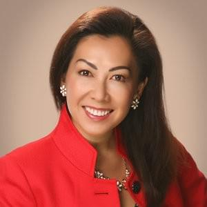 headshot of Dianne Lee for testimonial